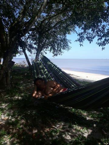 Praia deserta Lugar traquilo Sao fracisco fica longe de bsdalacso lugar para descansar e appreciate a natureza