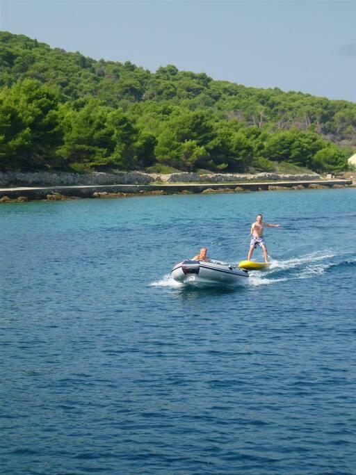 """Stand up Paddle kann man auch zum """"Wasserski"""" benutzen ;-)"""