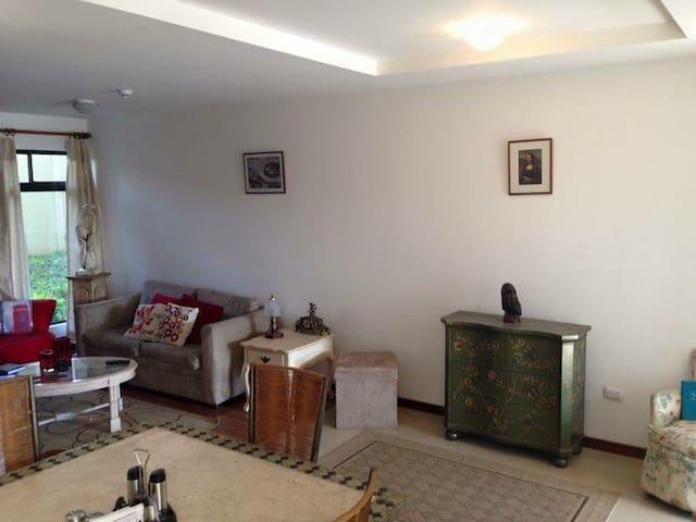 Apartamento acogedor en Heredia!!
