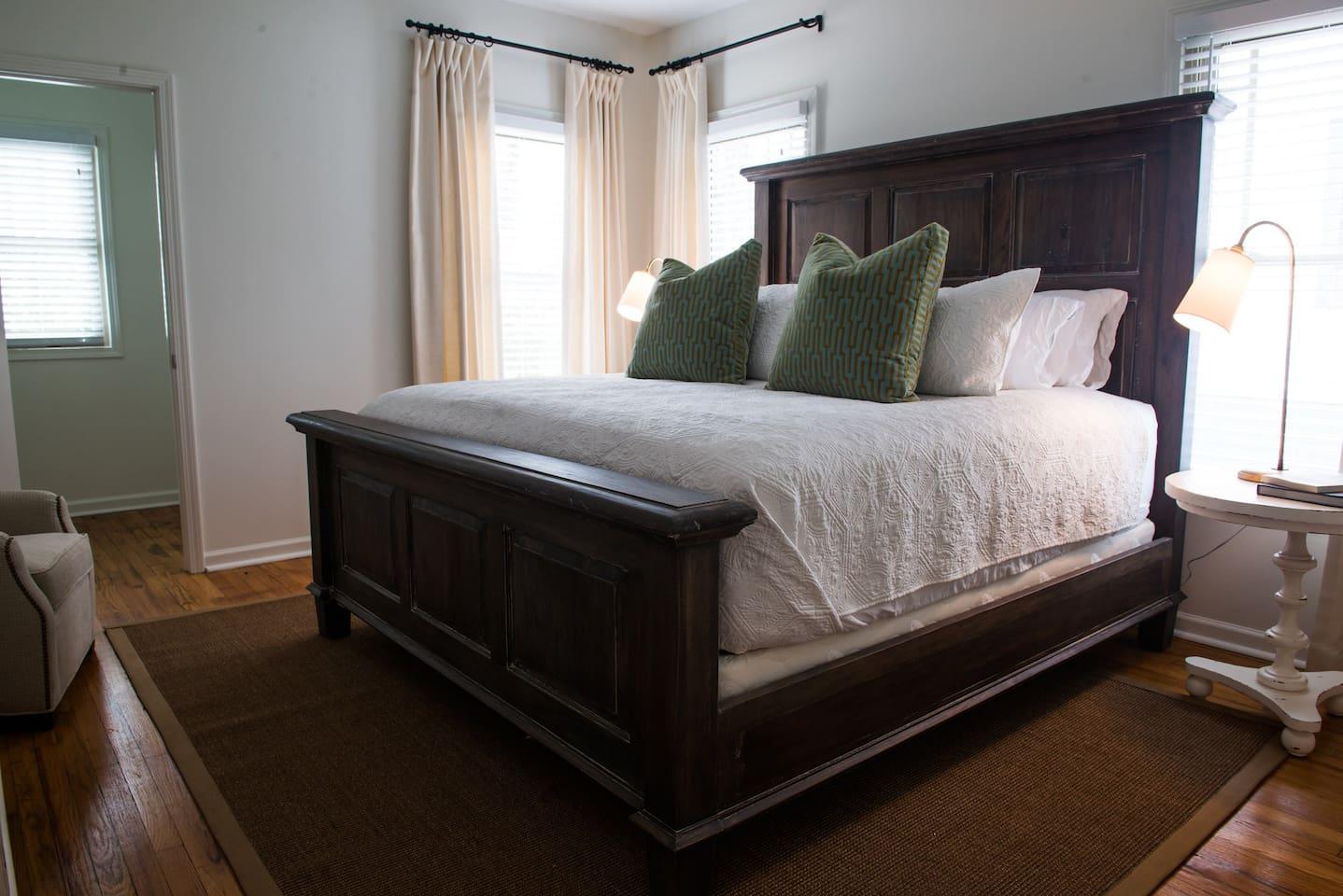 King Saatva mattress