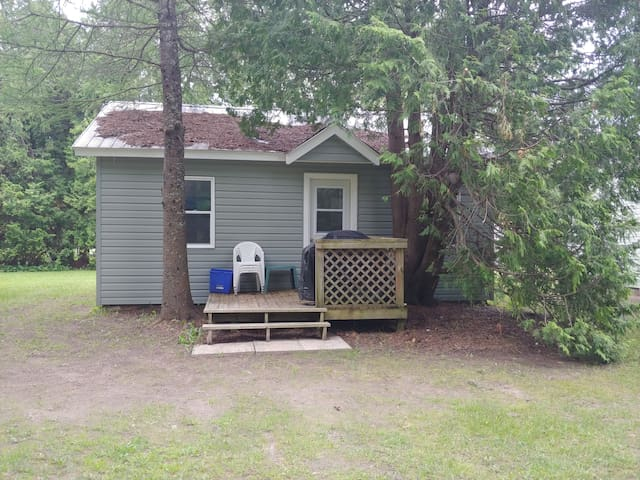 Oliphant 2Bdrm Classic Cottage