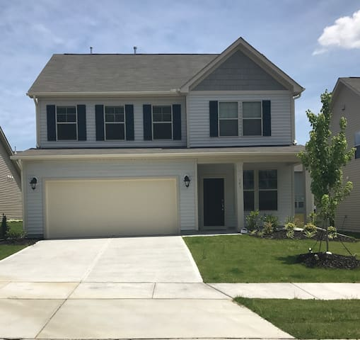 New Family Home Close to Duke, Downtown, and RTP!