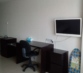 Studio Apartment with Night Singapore Seaview - Batam City