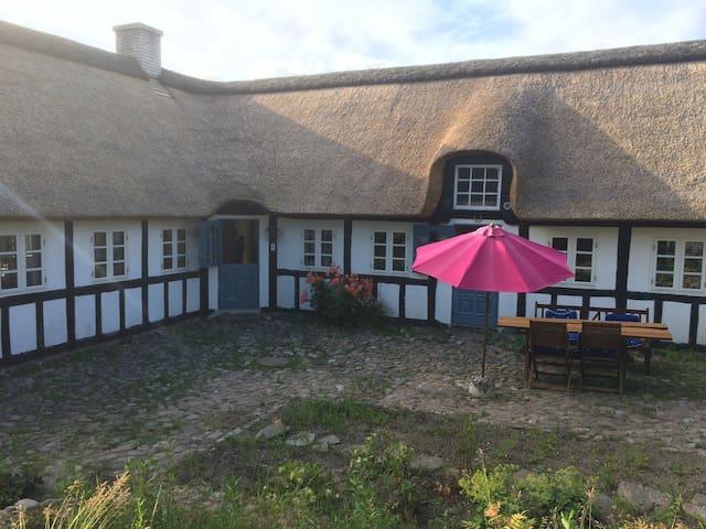 Romantisk idyl tæt på hav og nationalpark - Knebel - Haus