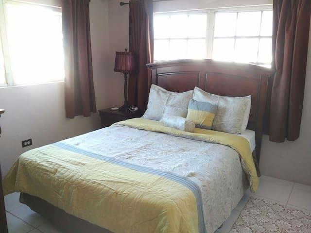 Perfect location, Warm family #1 - Nassau - Casa