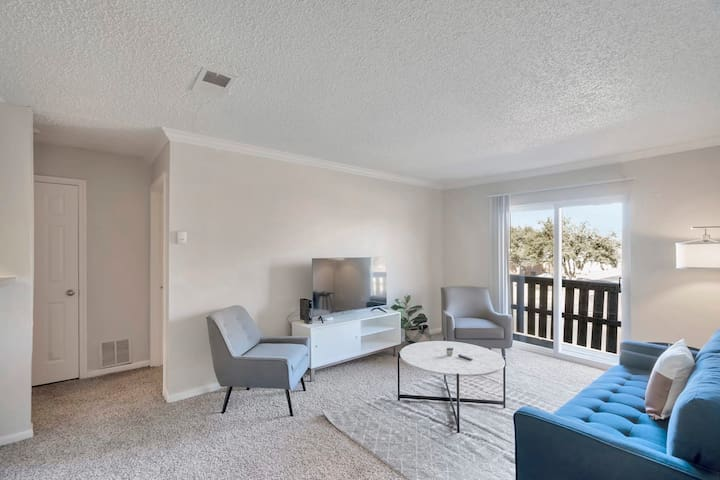 Spacious Midland 1BR with Private Balcony
