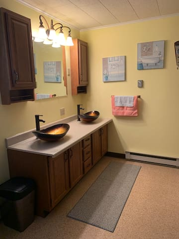 Upstairs Bathroom (Sinks and Vanity Room)
