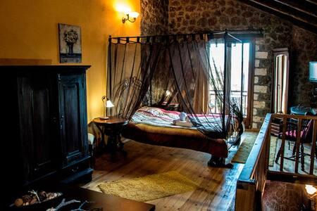 Ξενώνας Θέασις Τρίκαλα Κορινθίας - Άνω Τρίκαλα