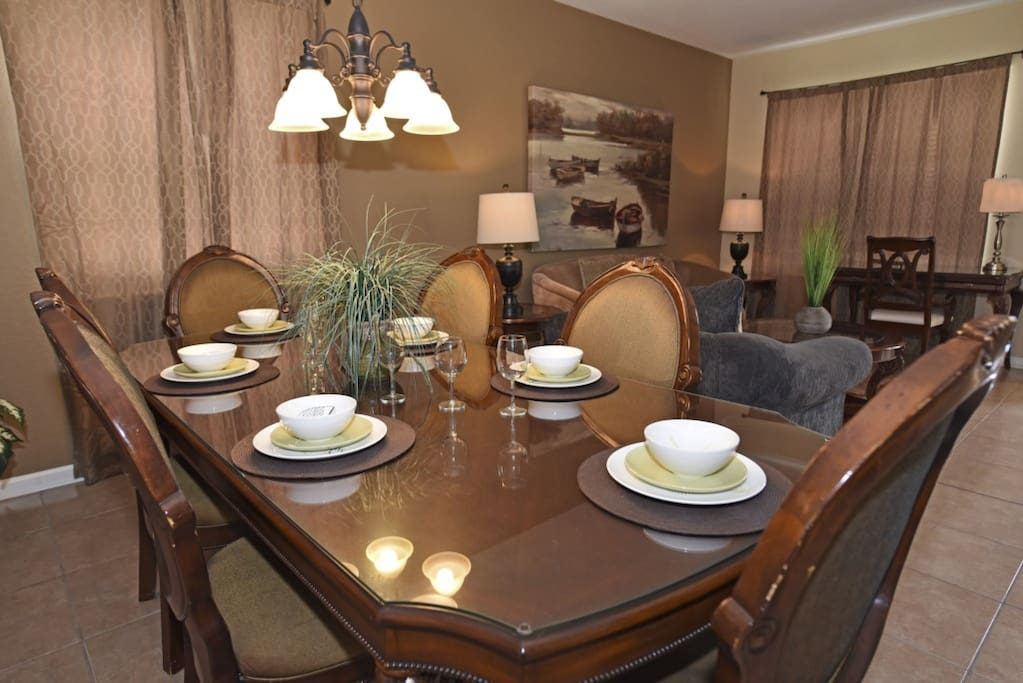 Light Fixture,Dining Room,Indoors,Room,Dining Table