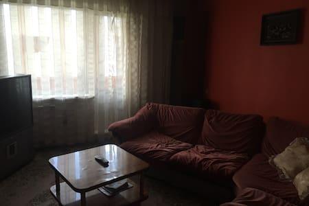 3 комнатная тихая квартира - Novokuznetsk