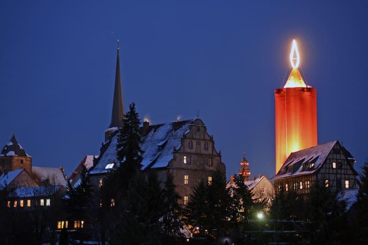 """Hinterburg Schlitz mit der """"Größten Kerze der Welt"""""""