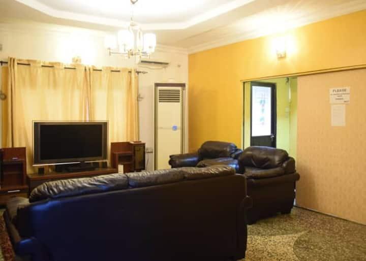 Amaka Family House (5 bedroom duplex ensuite)