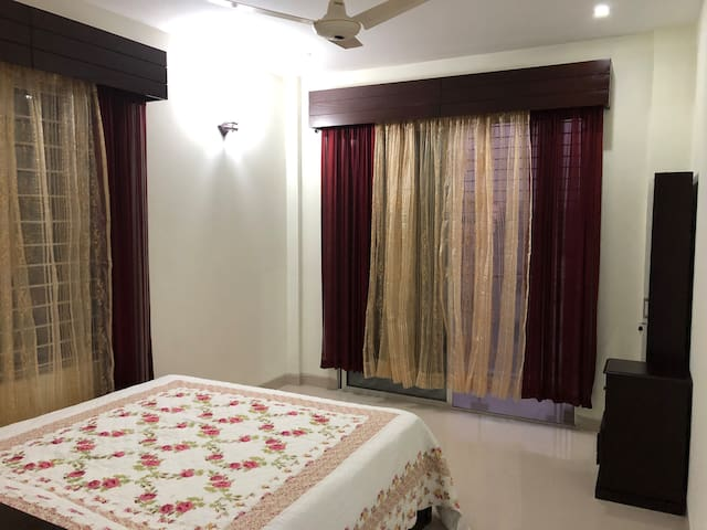 Deluxe penthouse suite in Bashundhara near airport