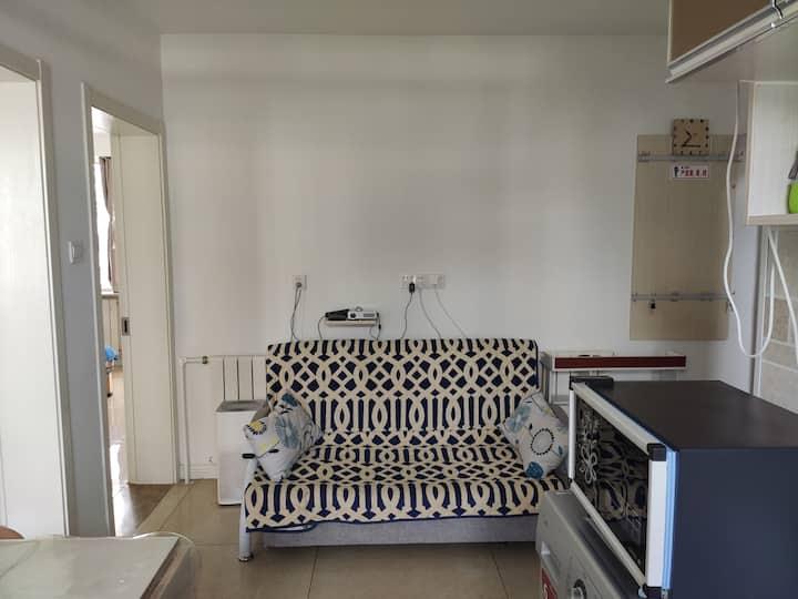 烟台开发区福山区金沙滩民宿精装修二居一厅一厨一卫临海家庭自助