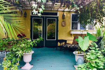 A Lakeshore Cottage vintage 1926