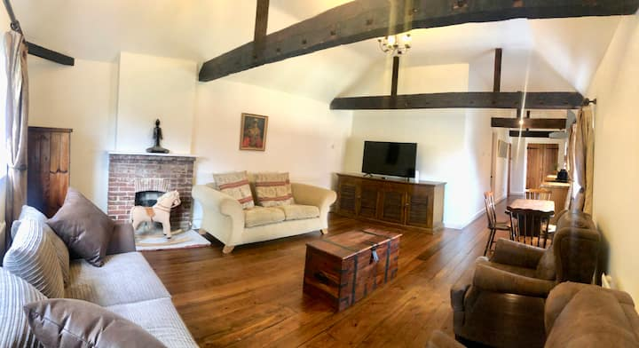 Converted Coach House in Kent
