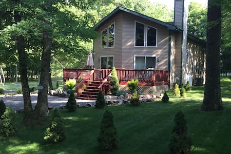 Family-Friendly Chalet w/Central Air military disc - Albrightsville - Chalet