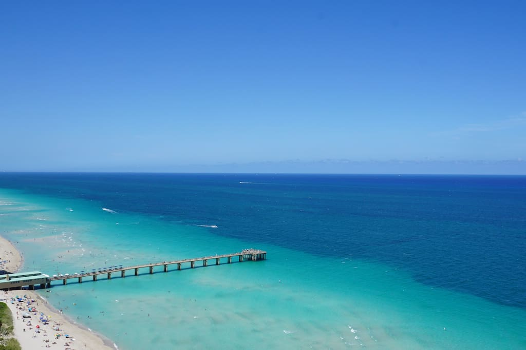 Sunny Isles Beach (view from the Apartment balcony)