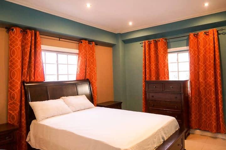 2 bedroom Apartment  Kensington Cres New Kingston