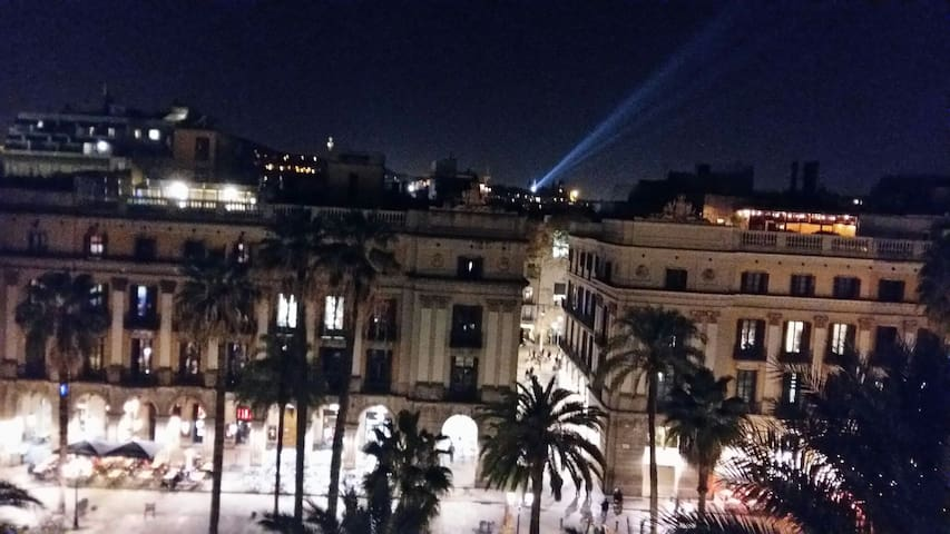 Plz REAL (Square)10  /R1. PENTHOUSE - Barcelone - Bed & Breakfast