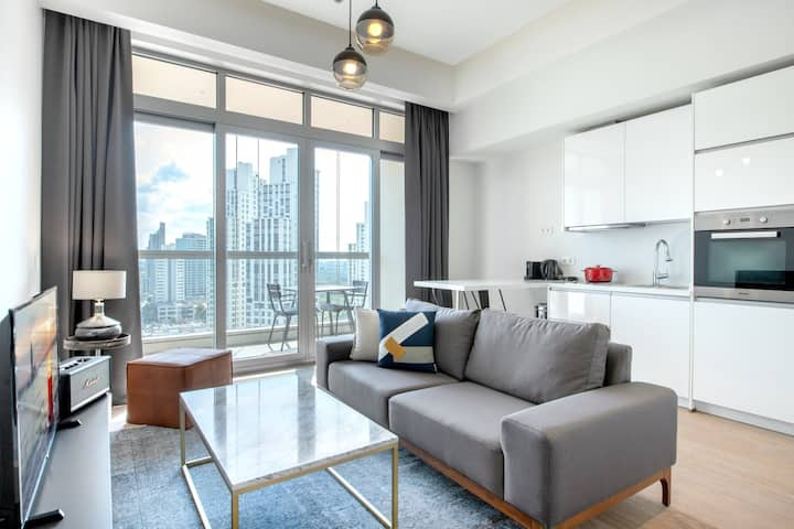 Comfy 1BR at 42 Maslak with Pool & City View