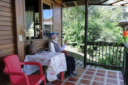 Acogedor chalet campestre a 1-1/2 hora de Medellin