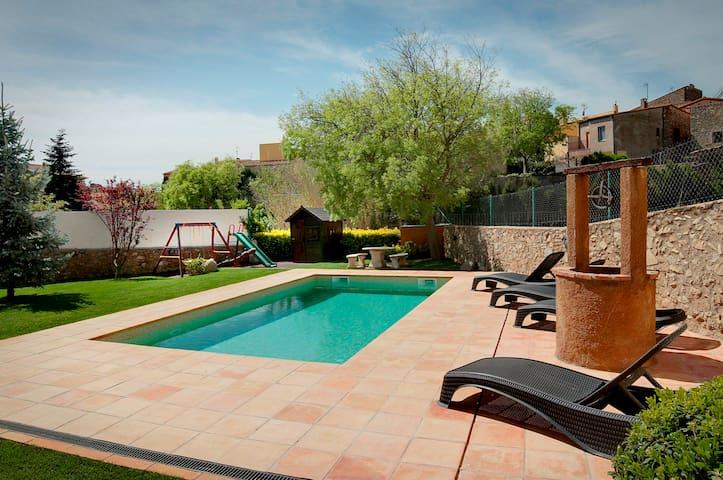 Can Llobet , piscina y Jacuzzi ( Costa Brava) - Capmany - Dům