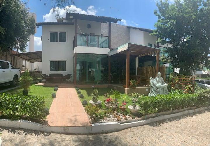Casa de Alto Padrão em  Condomínio - Gravata