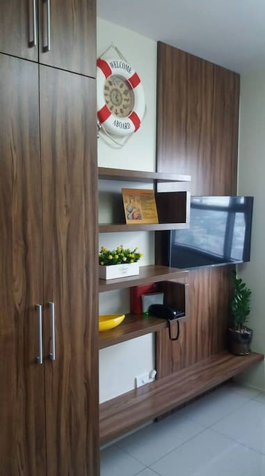 Smart TV with Netflix + Internet Wifi