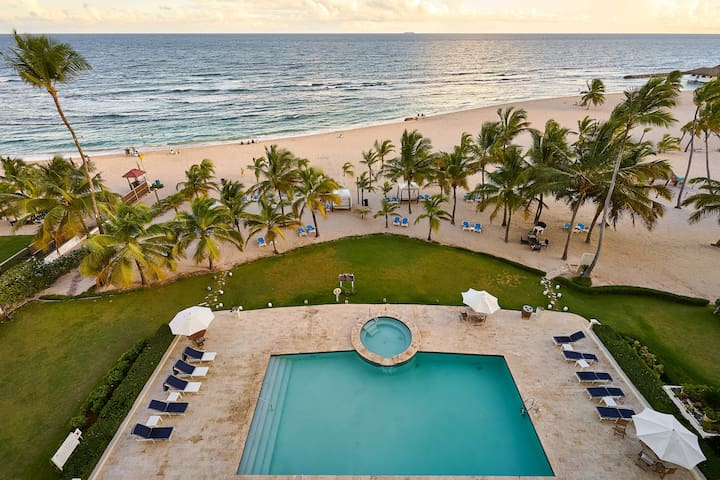 Majestic, Beach Front Penthouse 5BR w/VIEW, POOL