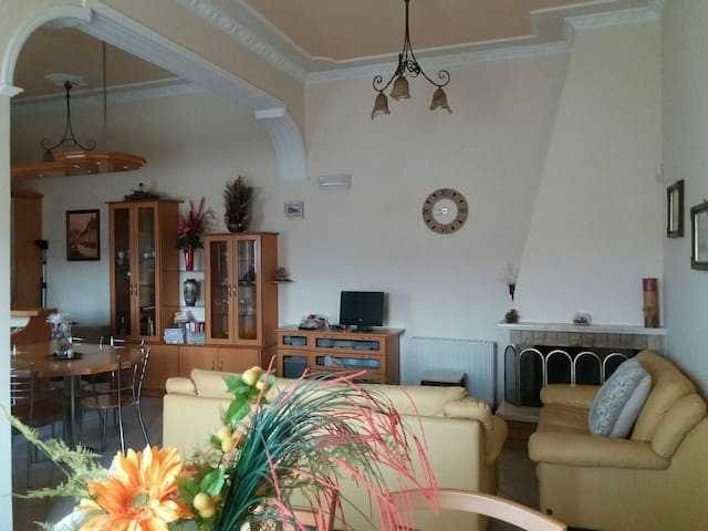 A cozy house,near to beautiful beaches and town - Korfu - Dom