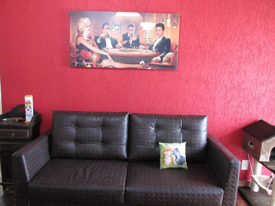 Sofá amplo na sala