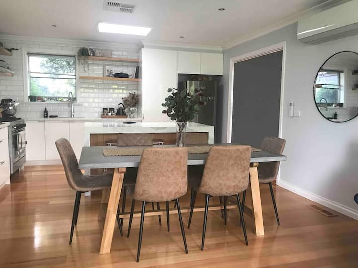 Private & Clean Room | Close to Dandenong Hospital