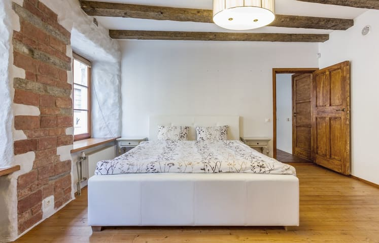 1st floor - bedroom