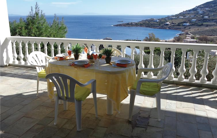 Holiday apartment with 2 bedrooms on 81 m² in Pefka Kerateas