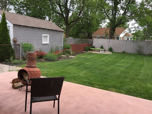 NEWLY RENOVATED HOME PRIVATE ENTRY CLOSE TO I 71
