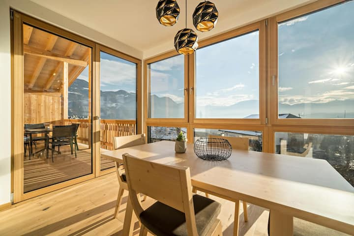 Friendly Apartment Eiche im Nockerhof with Mountain View, Wi-Fi & Terrace; Parking Available