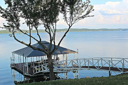 Kentucky Lake Cottage on the Point