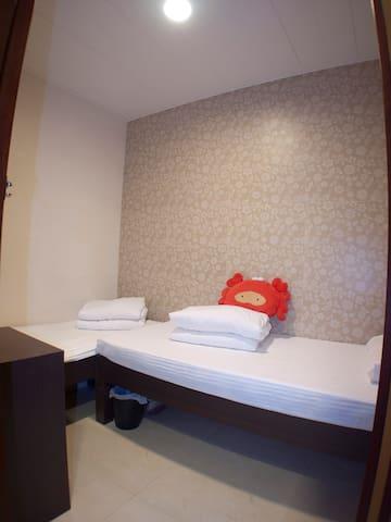標雙房Twin Room@Mong Kok-2107-距離旺角地鐵E1出口步行3到5分鐘