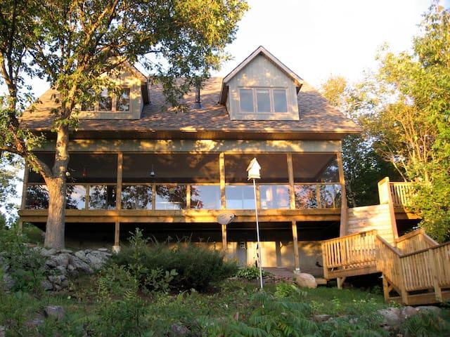 Modern 4 Season Lake House