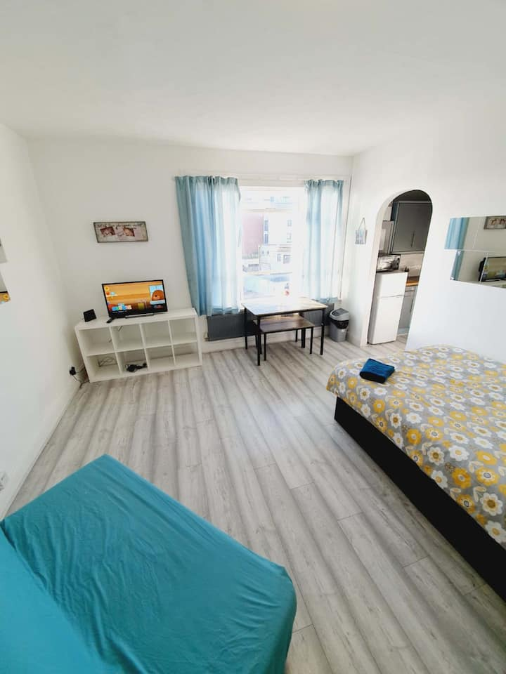 Great Flat New Furniters in Southen On Sea