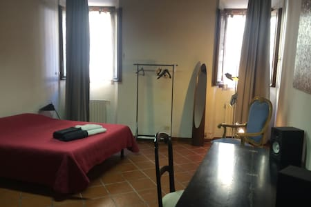 Centro storico - Caratteristico e ampio bilocale - Apartment
