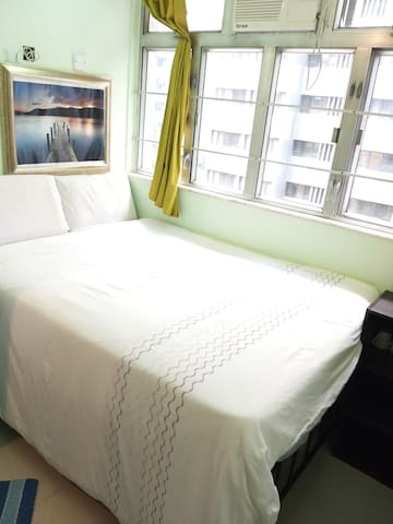 Cozy room and close to convention centre