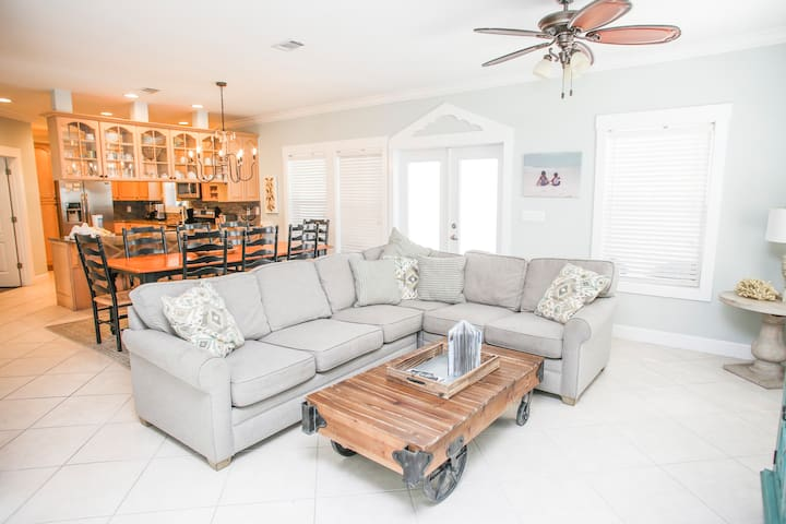 30A Beach House - Sanibel - Sleeps 14!