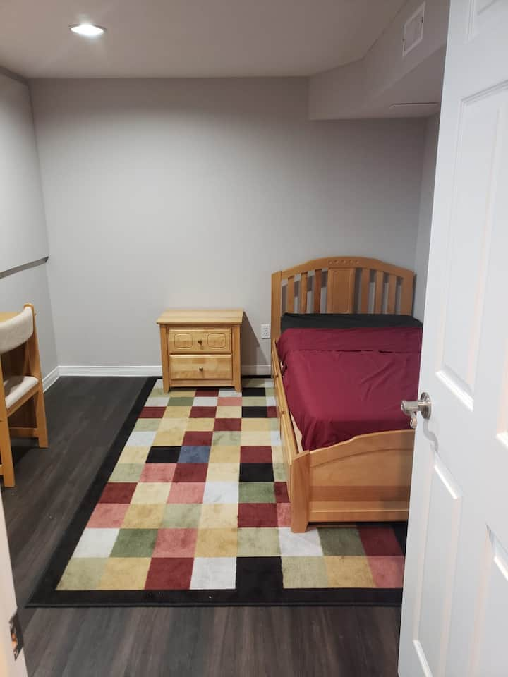 Single bedroom with desk in Downtown Mississauga