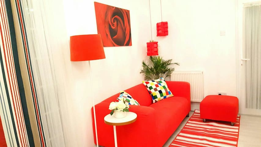 Lovely private flat with Free Parking - Londýn