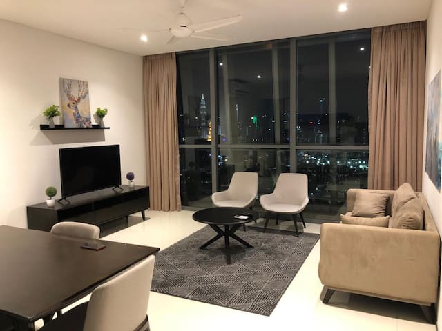 STYLISH APARTMENT WITH KLCC VIEW @ THE FENNEL!!!