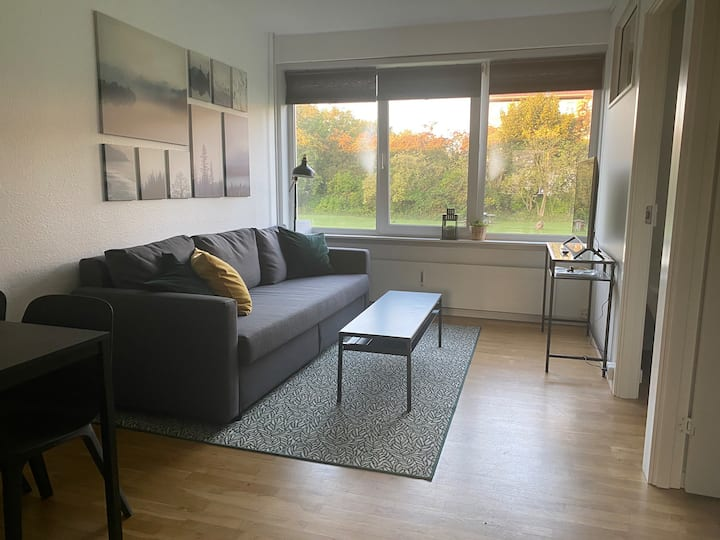 T37bst 2 bedroom apartment with free parking