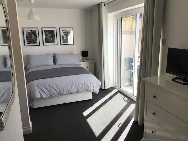 Paignton  Ensuite 5 Minutes From The Beach