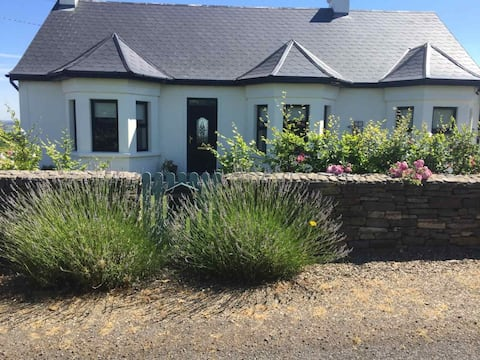 Cottage on the Wild Atlantic Way with unique view